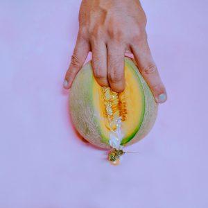 fingers-on-melon-3773665